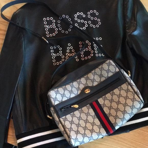 96e56694092 Gucci Handbags - Authentic Vintage Gucci Crossbody